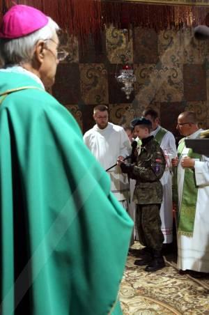 Jasna Góra, odczytanie Aktu Zawierzenia Parafii św. Jana Pawła II  i Lwowa przez Tarasa Kołpaka