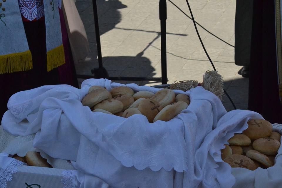 Chleby sw. Antoniego, chleby jedności i miłości. Autor fotografii Paweł Kowalczuk