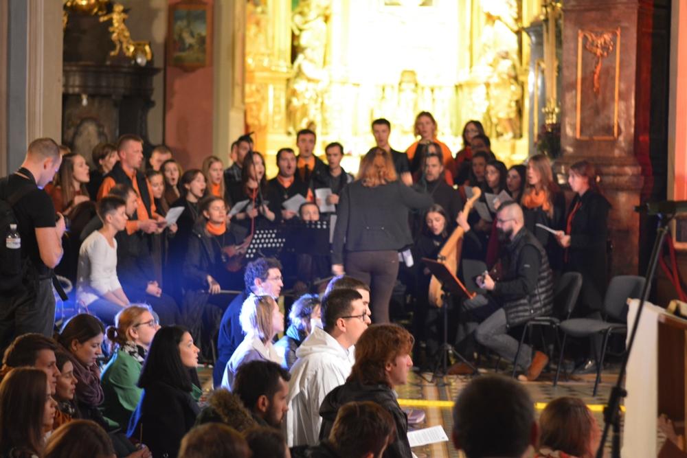 grecko-katolicki chór prowadził śpiew