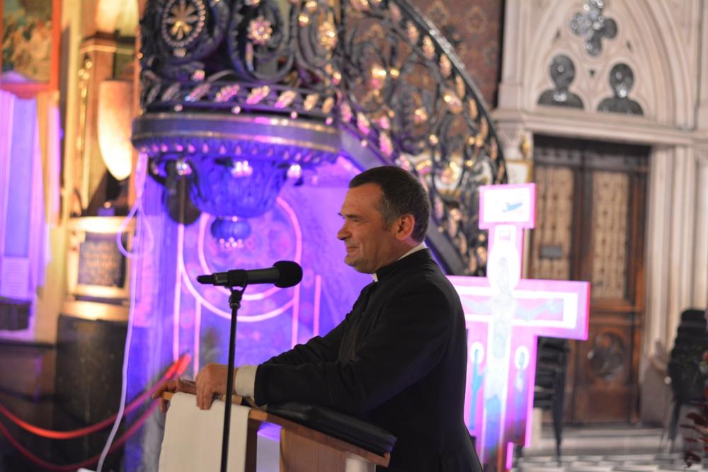 ks. Grzegorz Draus z Parafii św. Jana Pawłą II, współorganizator spotkania