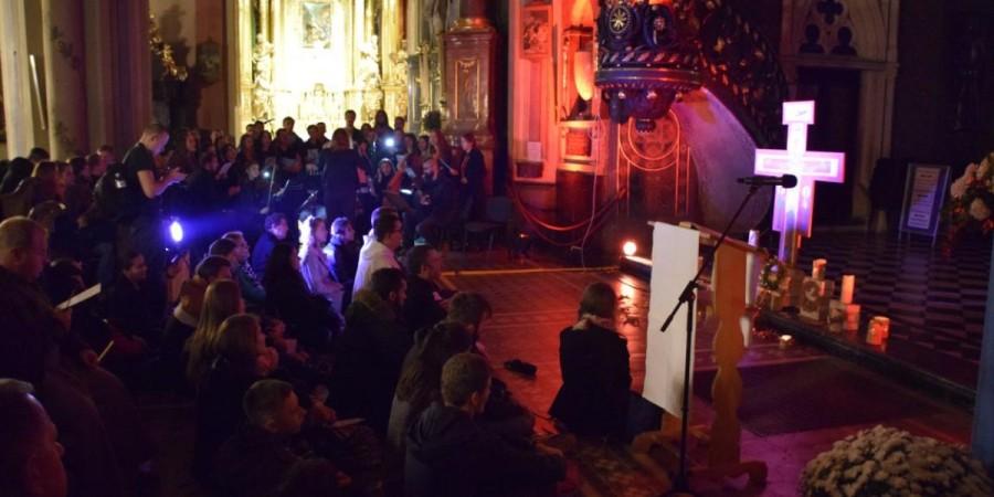 modlitwa w katedrze